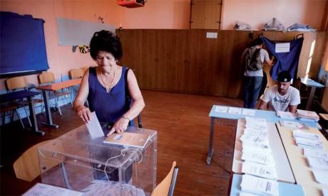 Comme nous pouvions le redouter, les électeurs grecs allaient aux urnes ce dimanche non pas seulement pour décider de qui seraient leurs dirigeants, mais aussi pour donner leur avis sur la question des flux migratoires en direction de l'Europe.