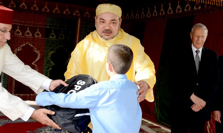 Sa Majesté le Roi Mohammed VI lance l'Initiative royale «Un million de cartables» qui bénéficiera cette année à près de 4 millions d'élèves