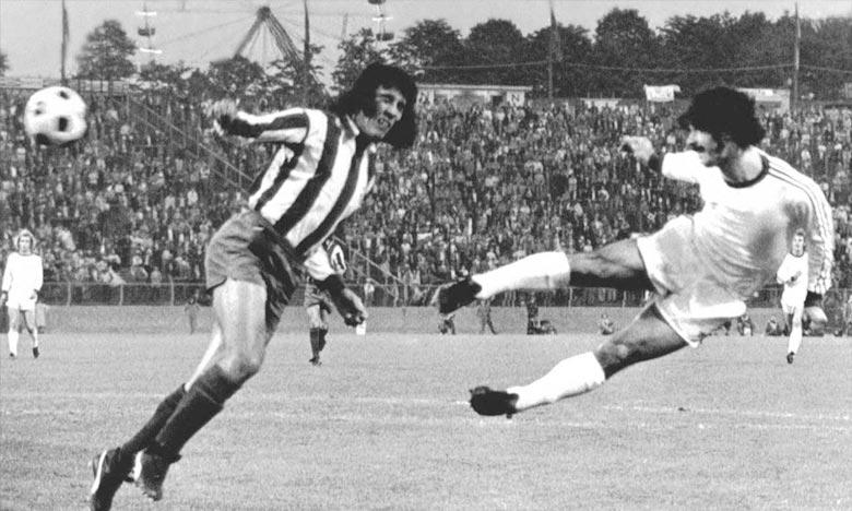 Gerd Müller à droite  en 1974. L'ancien buteur de Bayern Munich, bientôt âgé de 70 ans, était atteint de la maladie d'Alzheimer. Ph : 20minutes.fr
