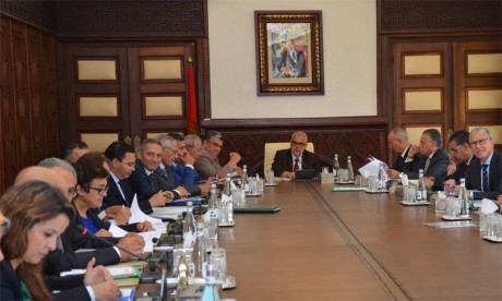 Le Conseil de gouvernement adopte  plusieurs projets de décret