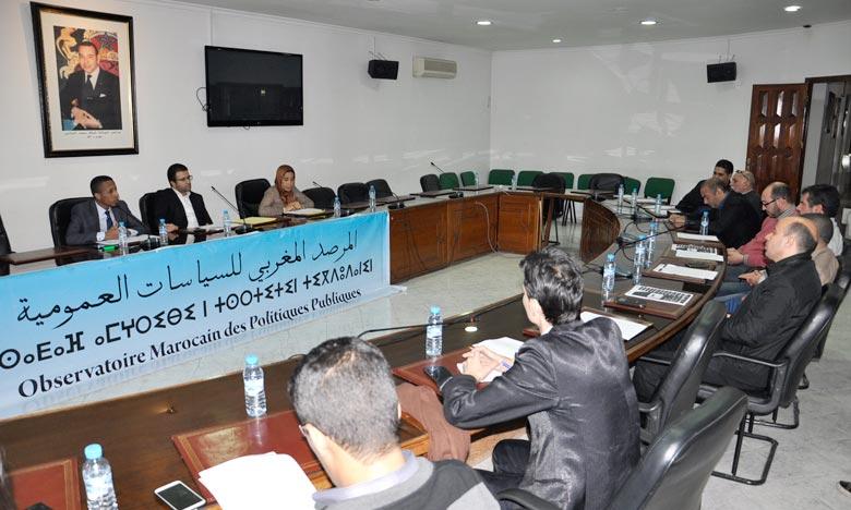 Conférence, à Tanger, des experts de l'Observatoire marocain des politiques publiques (OMPP).  Ph : MAP
