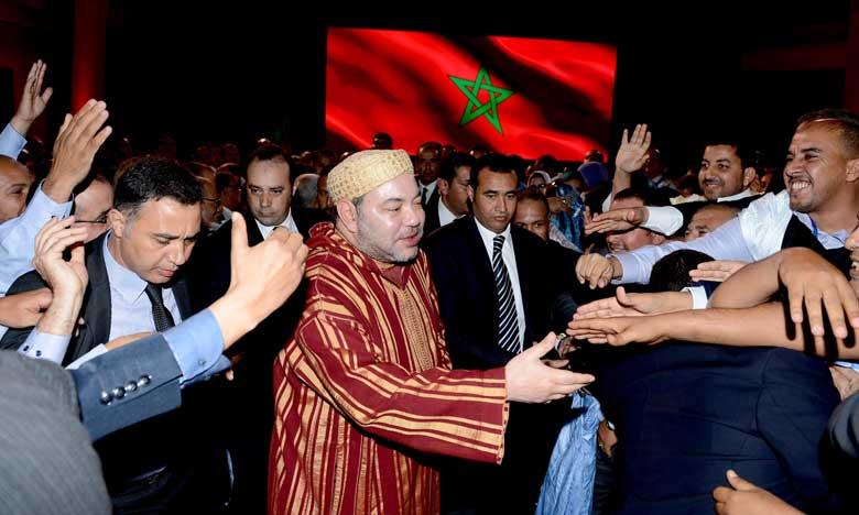 S.M. le Roi préside à Dakhla la cérémonie de lancement  des programmes de développement des régions Dakhla-Oued Eddahab et Guelmim-Oued Noun