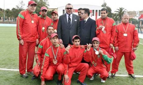 Sa Majesté le Roi Mohammed VI inaugure un terrain de sport à la préfecture d'arrondissements Ben M'Sik