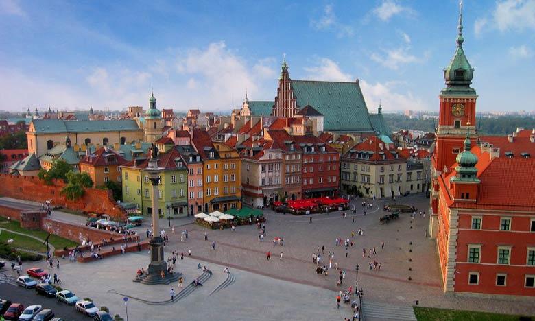 Le collège de l'Europe a ouvert ses portes à Varsovie, capitale de la Pologne, en 1992.