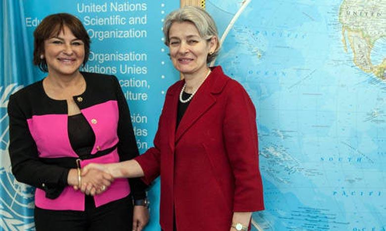 Hakima El Haite a souligné que Irina Bokova a exprimé, lors de cette rencontre, le soutien total de l'Unesco à la COP22 et son engagement à œuvrer pour assurer le succès de ce grand événement. Ph : unesco.org net