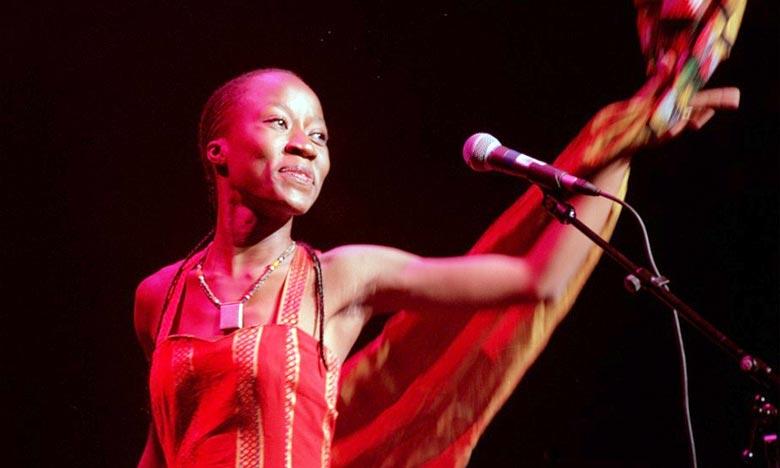 Les amateurs de musique africaine vibreront aux rythmes des plus belles sonorités du continent. Le concert d'ouverture accueillera la chanteuse, auteur-compositeur-interprète et guitariste malienne, Rokia Traoré. Ph : lapresse.ca