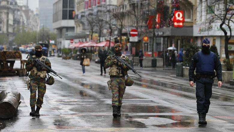 L'ambassade du Maroc avait fait état, jeudi, de quatre portés disparus, d'un blessé grave et de plusieurs blessés légers.