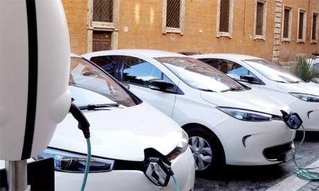 En mars, Renault détenait quelque 50% du marché français avec sa petite Zoé, qui vient d'ailleurs de franchir le cap des 50.000 exemplaires produits dans l'usine de Flins.