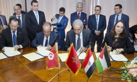 Cinq accords de coopération signés au Caire