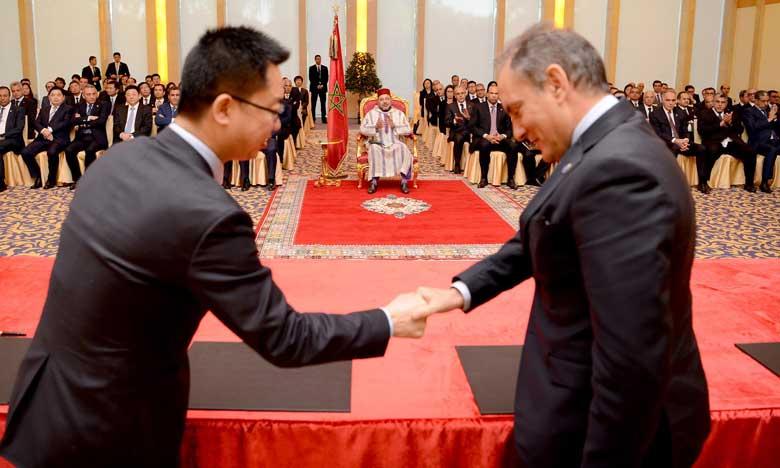 Sa Majesté le Roi préside à Pékin la cérémonie de signature de plusieurs conventions de partenariat public-privé