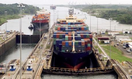 Le Panama espère, d'ici à dix ans, doper ses performances annuelles, en doublant son volume de transit (300 millions de tonnes) et en triplant ses recettes (un milliard de dollars).