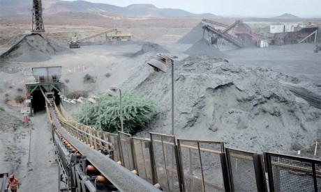En mai, la mine a produit un record de 780 tonnes, essentiellement destinées à la construction de bâtiments plus résistants aux tremblements de terre  et à la fabrication de voitures.