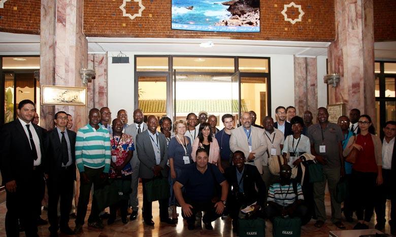 La visite constitue l'occasion pour les journalistes africains de se familiariser avec les préparatifs de la COP22, avec les différents aspects liés à la mise en œuvre de l'Accord de Paris. Ph : MAP