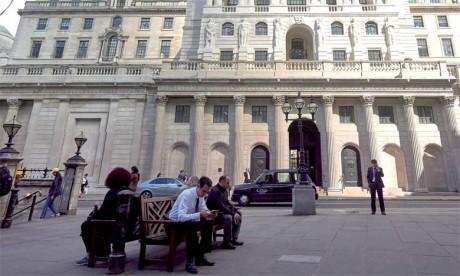 La BoE dit ainsi s'attendre à «une chute d'ampleur» des prix de l'immobilier commercial à court terme.