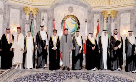 20 avril 2016: S.M. le Roi Mohammed VI,  accompagné de S.A.R. le Prince Moulay Rachid, prend part, à Riyad, aux travaux du Sommet Maroc-Pays du Golfe.