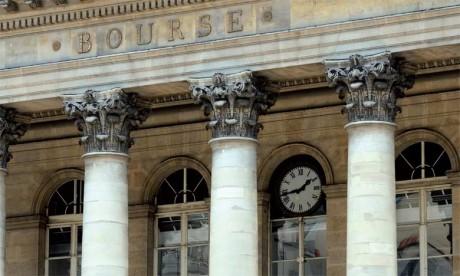 Les places financières pourraient aussi attirer à elles certaines activités en fonction de leur spécialisation. Paris dispose par exemple d'un pôle de gestion d'actifs de 3.600 milliards d'euros.