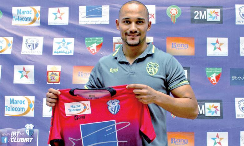 Mercredi, Amsif a participé à sa première séance d'entraînement sous les ordres du coach algérien Abdelhak Benchikha.