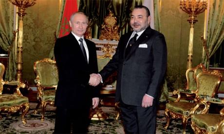 15 mars 2016: S.M. le Roi Mohammed VI s'entretient avec le Président de la Fédération de Russie, S.E.M. Vladimir Poutine,  à l'occasion de la visite officielle effectuée par le Souverain au pays.