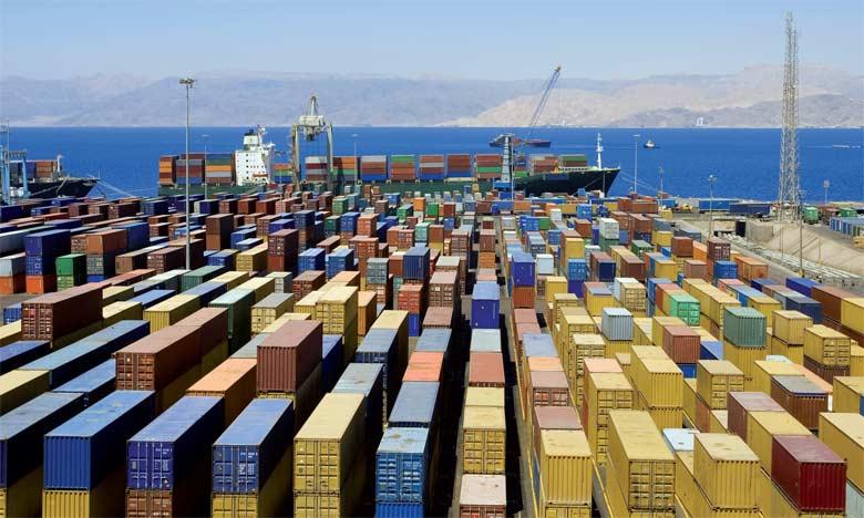 «La croissance du commerce mondial devrait rester sous 3% en 2016 pour la cinquième année de suite (...) Si on excepte l'effondrement après la crise financière, on est au plus bas depuis trois décennies», a rappelé le directeur général de l'Organisat