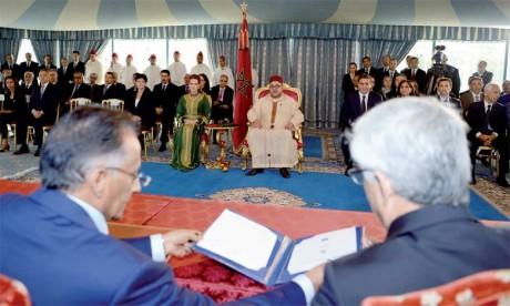 5 juillet 2016 : S.M. le Roi Mohammed VI préside à Casablanca la cérémonie de signature de deux conventions relatives  au renforcement de la prise en charge médicale des détenus et ex-détenus.