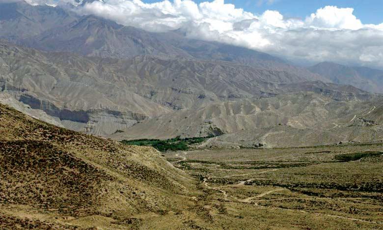 La route qui conduit à Lo Manthang, capitale de la région du Mustang (nord-est du Népal), frontalière avec la Chine.