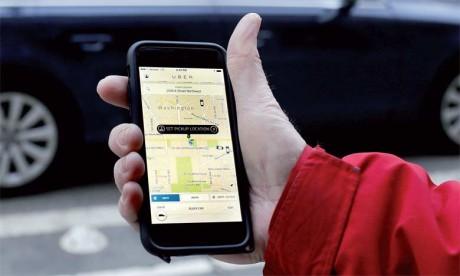 Uber, arrivé début 2014 en Chine, s'arroge désormais entre 10 et 15% de parts de marché, à coup d'investissements colossaux, subventionnant largement les trajets des usagers.