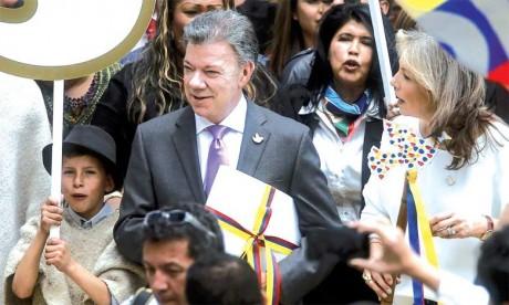 Face à l'urgence, M. Santos a lancé un appel à la communauté internationale : l'Union européenne versera plus de 575 millions d'euros et les États-Unis ont promis 450 millions de dollars.