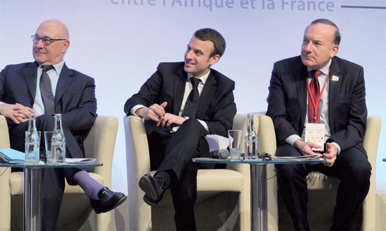 Des ministres français et le président du Medef, Pierre Gattaz, lors du forum franco-africain à Paris, le 6 février 2015.Ph. AFP