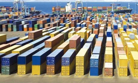 Chine : nouvelle dégringolade des exportations en octobre