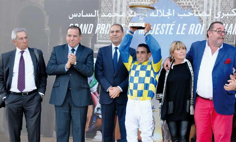 Cérémonie de remise du GP Mohammed VI du pur-sang arabe au vainqueur.