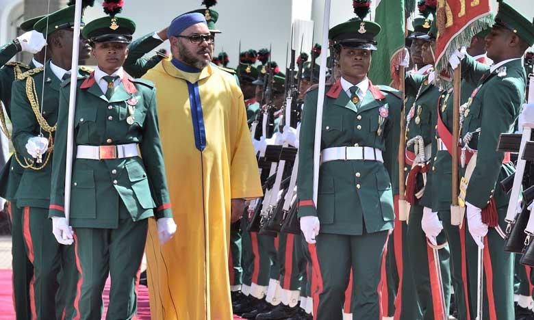 Le Président de la République fédérale du Nigeria réserve un accueil officiel  en l'honneur de Sa Majesté le Roi Mohammed VI