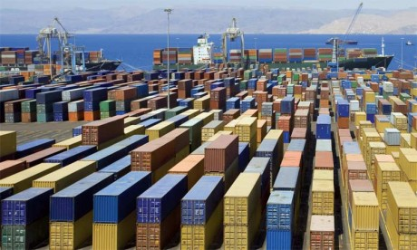 Le commerce extérieur, dont la contribution négative s'est établie à -0,6 point, pourrait dans les prochains mois bénéficier de la dépréciation de l'euro.