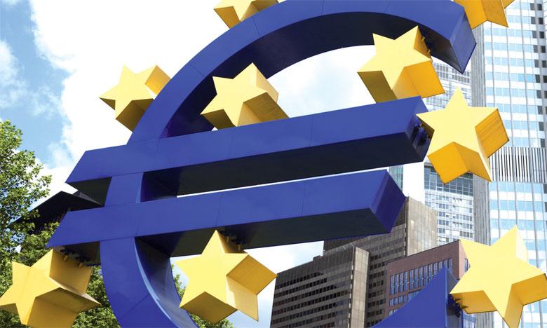 La BCE a décidé de poursuivre ses vastes rachats de dettes publiques et privées.