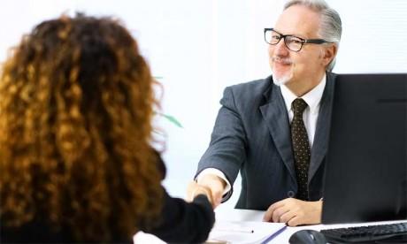 Il y a deux principaux volets qui ne doivent surtout pas être négligés, quels que soient les objectifs  que le dirigeant souhaite atteindre : le développement de son leadership et l'amélioration  de sa communication.
