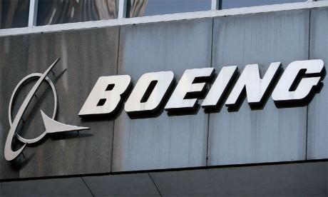 En septembre, le protocole d'accord entre l'État et Boeing pour la création de l'écosystème industriel de l'avionneur au Maroc a été signé devant le Souverain. Ph. AFP