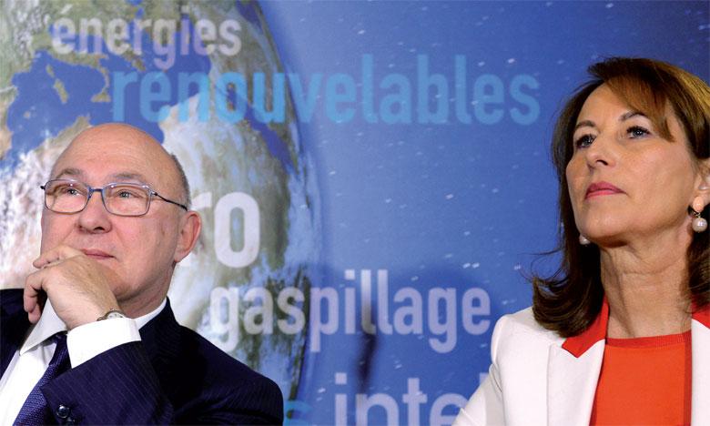 La première obligation verte de la France a été lancée par Ségolène Royal, ministre de l'Environnement, de l'énergie et de la mer, en charge des Relations internationales sur le climat, et Michel Sapin, ministre de l'Économie et des finances.Ph. AFP