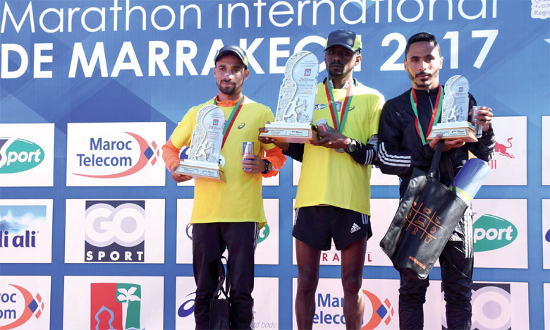 Le podium des hommes du Marathon international de Marrakech.                                                                    Ph. Seddik