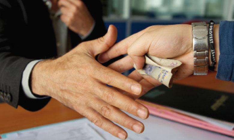 La corruption affaiblit la compétitivité de l'économie.