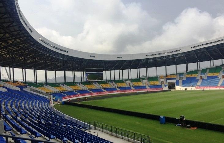 Fruit de la coopération sino-gabonaise, le stade est un petit miracle, construit en moins de 2 ans et peut accueillir 22.500 spectateurs, dans de très bonnes conditions. Ph : DR