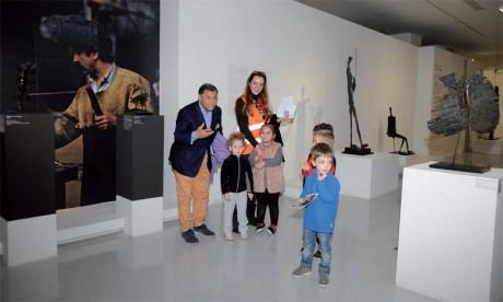Le Musée Mohammed VI s'est ouvert sur son environnement par le biais d'ateliers pédagogiques en arts plastiques, de contes et d'histoires populaires. Ph. Kartouch