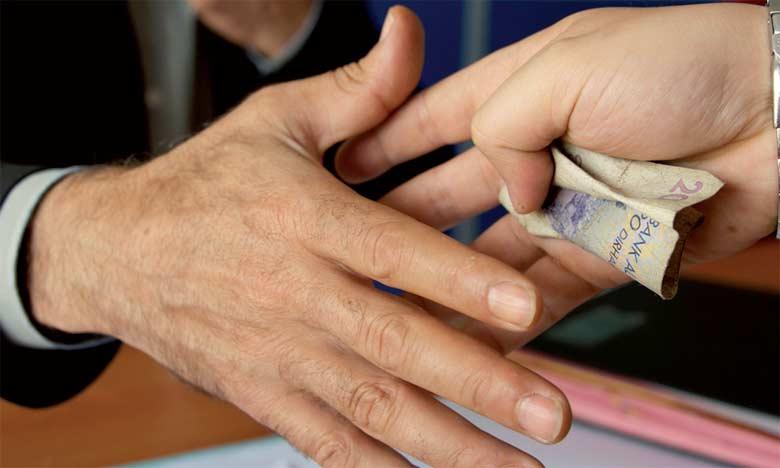 Le circuit traditionnel de dénonciation enregistre chaque année plus de 6.000 réclamations aboutissant à des poursuites.