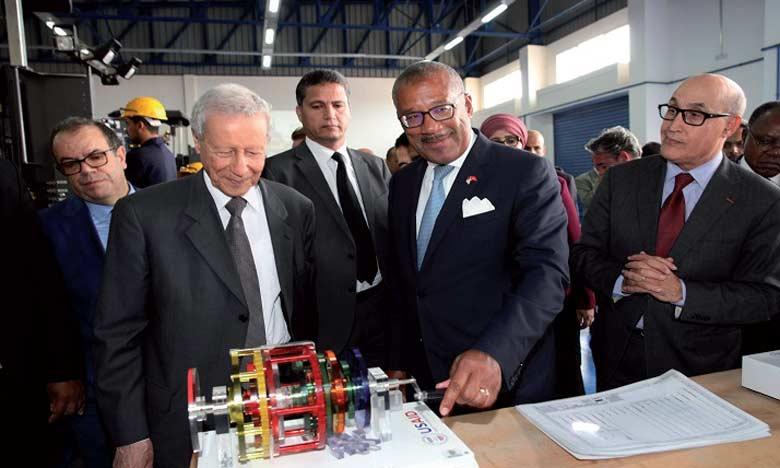 Le projet a été lancé à l'École Mohammed VI de formation dans les métiers du bâtiment et des travaux publics à Settat, en présence notamment de Rachid Belmokhtar, ministre de l'Éducation nationale et de la formation professionnelle, Larbi Bencheikh,