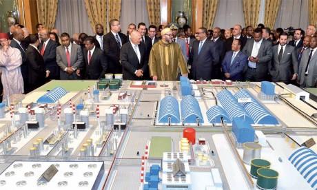 19 novembre 2016: Sa Majesté le Roi et le P.M. éthiopien lancent le projet de réalisation d'une plateforme de production d'engrais.
