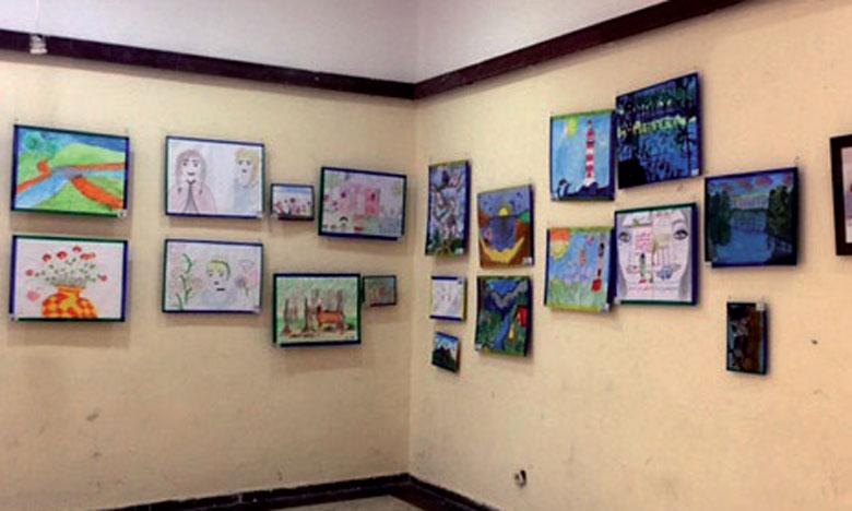 Cette manifestation culturelle et éducative a enregistré la participation de 150 jeunes artistes en herbe, relevant de 27 établissements d'enseignement scolaire privé de la ville de Fès.