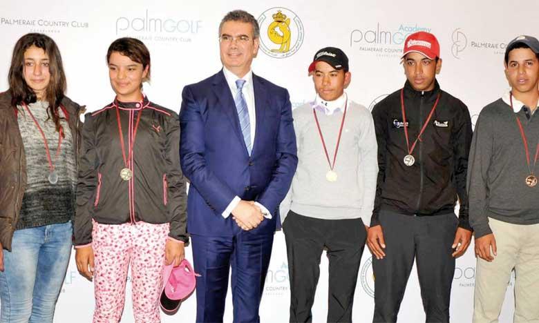 La cérémonie de remise des prix s'est déroulée en présence des responsables de la FRMG, des autorités locales et des familles des jeunes golfeurs