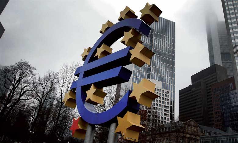 Berlin avait récemment déjà été rappelé à l'ordre, notamment par le FMI et la BCE, pour qu'il utilise ses marges budgétaires afin de relancer ses investissements publics  et, par ricochet, stimuler l'ensemble de la croissance européenne.