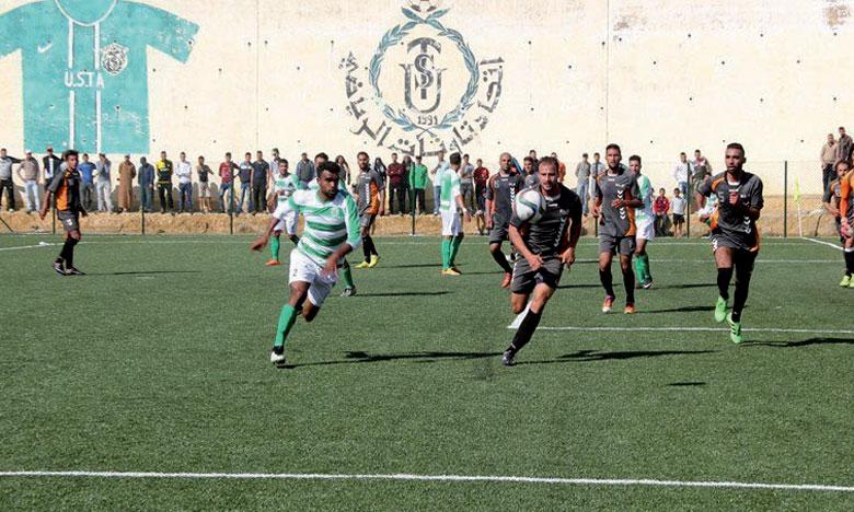 Le Hassania Lazari, ici lors d'une précédente journée, a contraint le leader, USMO, au match nul lors du derby oujdi.