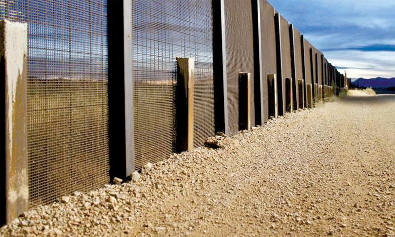 Des barrières sécurisent déjà environ 1.050km sur la frontière entre les États-Unis et le Mexique.       Ph. Reuters