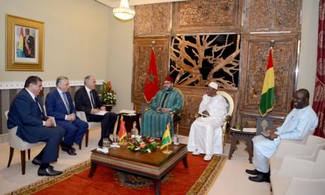 Entretiens à Conakry entre Sa Majesté le Roi Mohammed VI et le Président de la République de la Guinée S.E.M. Alpha Condé