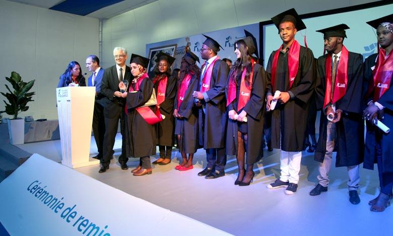 L'Université Mundiapolis de Casablanca (UMC) forme des compétences à mi-chemin des modèles américain et français dans ce qu'ils ont de plus adapté pour la réussite de l'étudiant marocain dans un marché de travail de plus en plus internationalisé. Ph